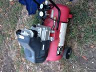 8 Gallon HUsky Electric AIr Compressor