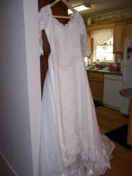 Bonnie Wedding Dress W/ Detatchable Traine