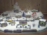 MN Hawthorne Viking Village and Train Set