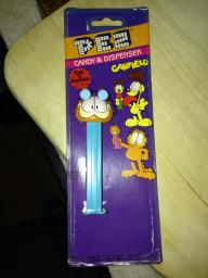 Garfeild pez dispenser
