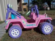 Girls Barbie Jeep