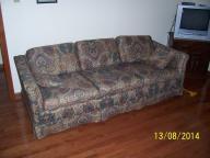 Sofa w/hide-a-bed