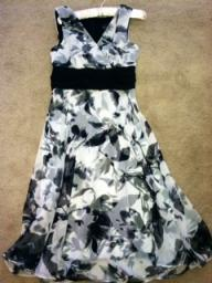 Pretty Black & White Dress Size 6