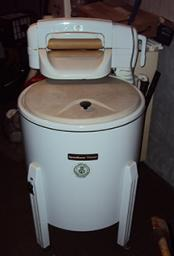 Vintage Speed Queen Wringer Washer