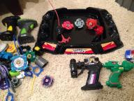 Battle Strikers/Beyblade Tops & battle arena