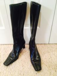 Nine West zip up black leather boot
