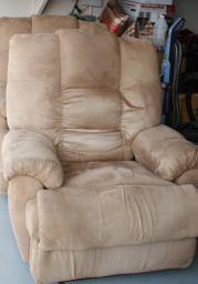 2 electric recliners