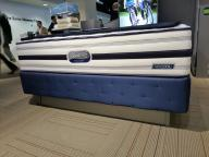 Simmon's Beautyrest and Beautysleep Bed Sets (Queen and Full)