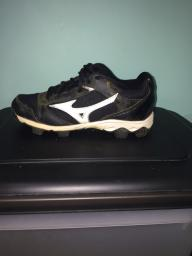 Mizuno rubber softball cleats size 6.5