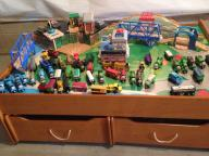 Thomas Train SETS and all tracks with table
