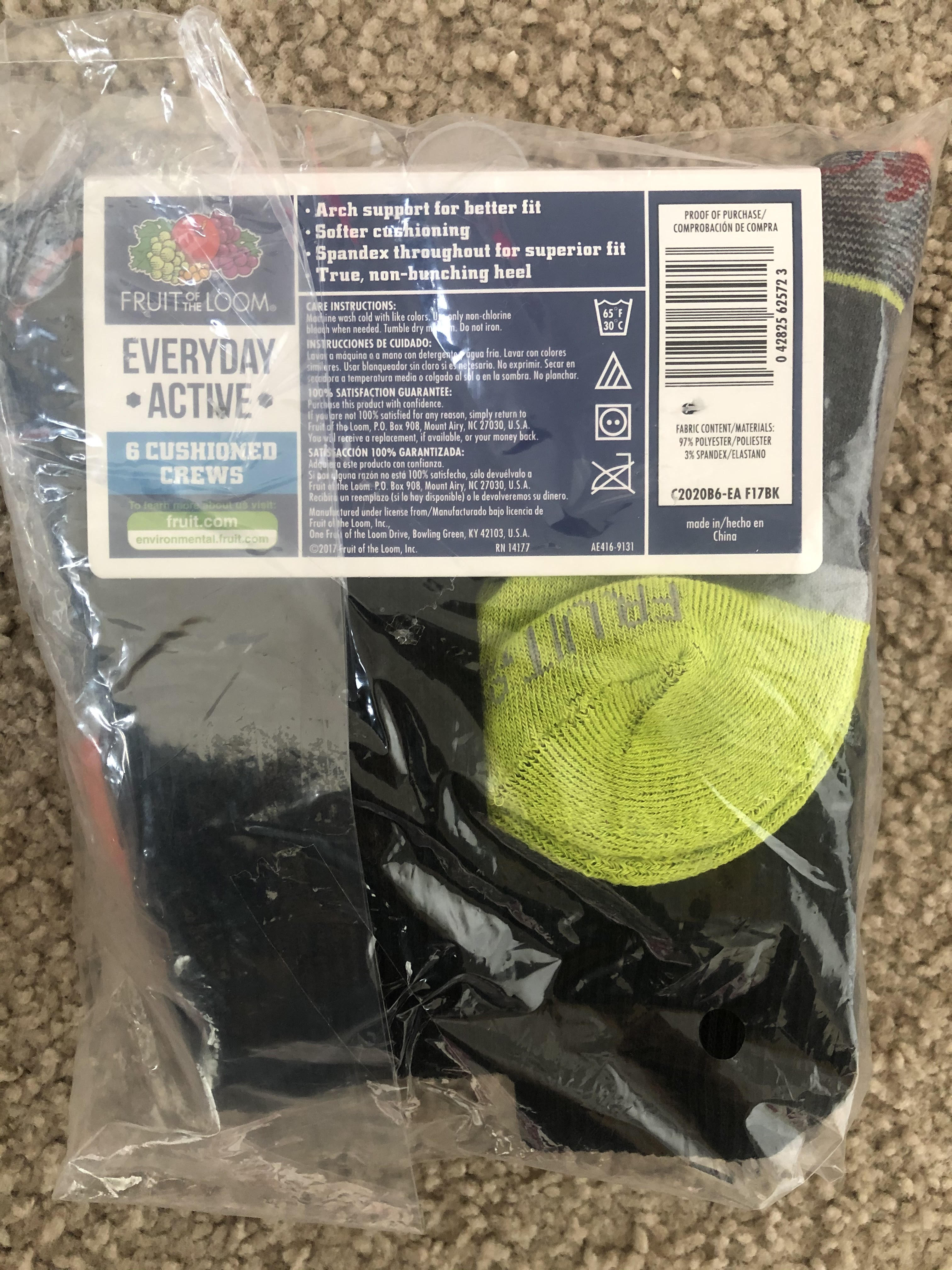 Fruit Of The Loom - 6 cushioned crew socks - size M (9 to 2&1/2)